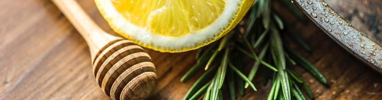 Thymian Zitrone und Honig gegen Husten