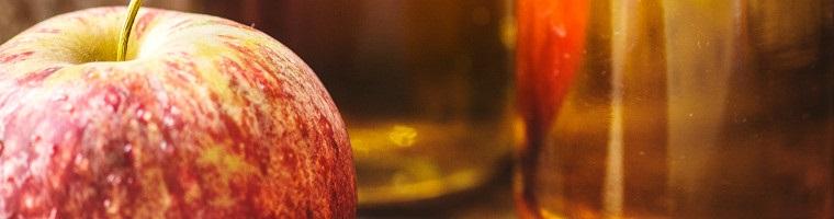 Apfelessig ein wirksames Hausmittel gegen Warzen.